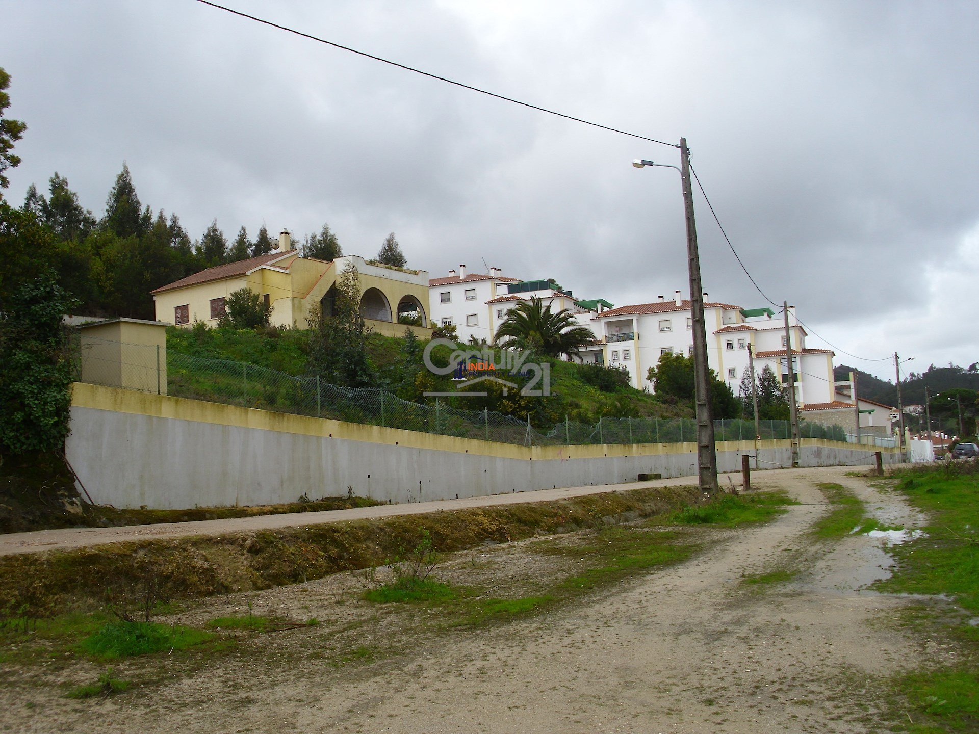 1,100 m2 Land For Sale in Mafra