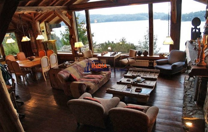 Residential House For Sale in Bariloche, Rio Negro