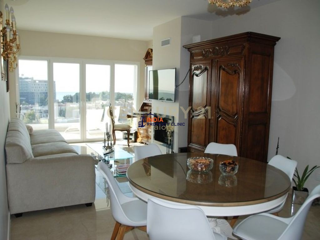 Apartment For Sale in Amathus Avenue