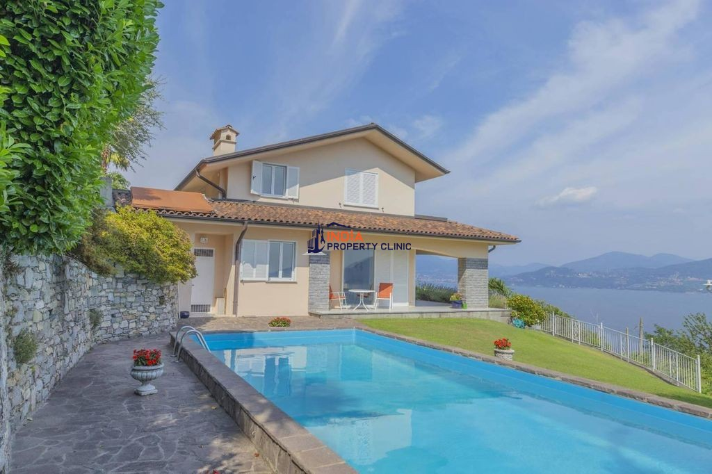 4 bedroom Villa for sale in Oggebbio