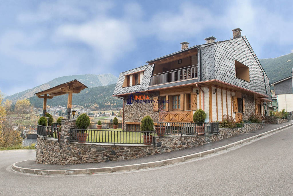 8 bedroom luxury Detached House for sale in La Massana