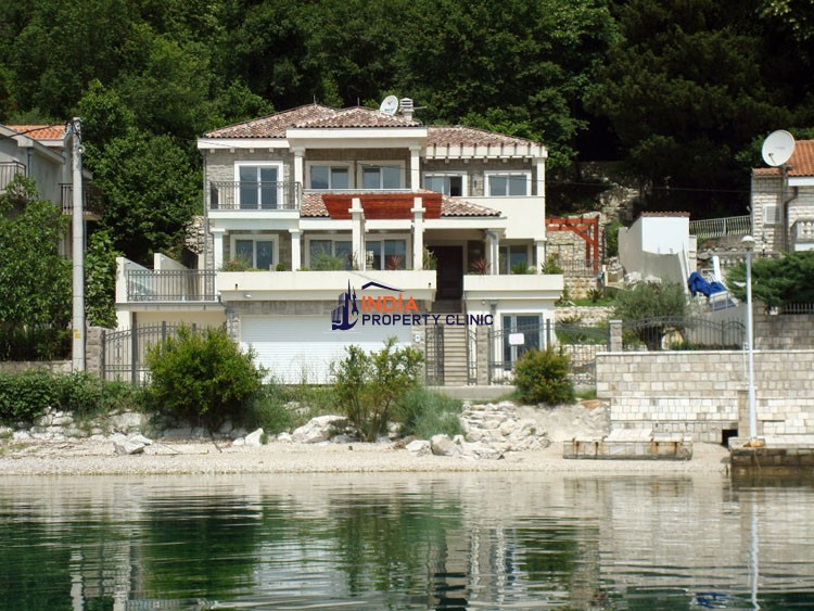 4 bedroom luxury Villa for sale in Perast