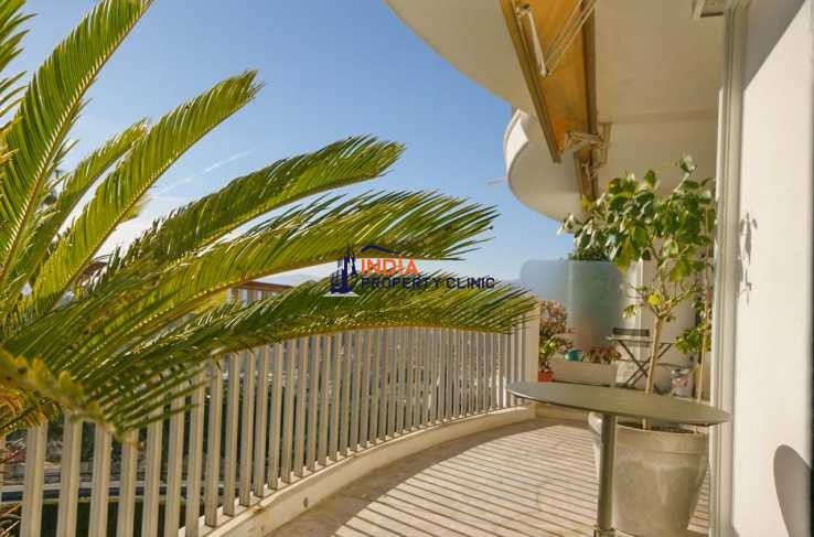 Apartment For Sale in Nice Mont Boron