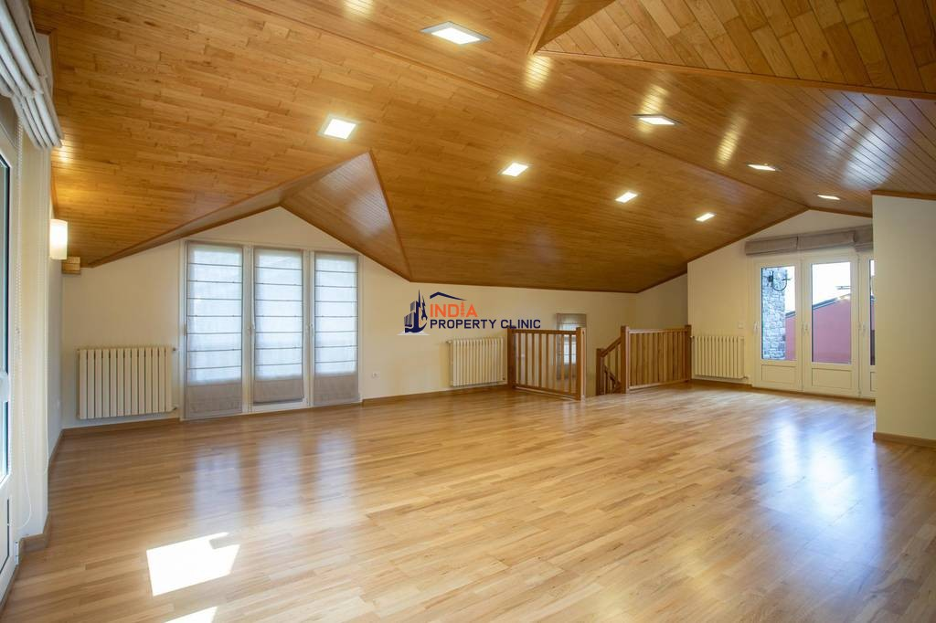 Luxury Detached House for sale in Escàs