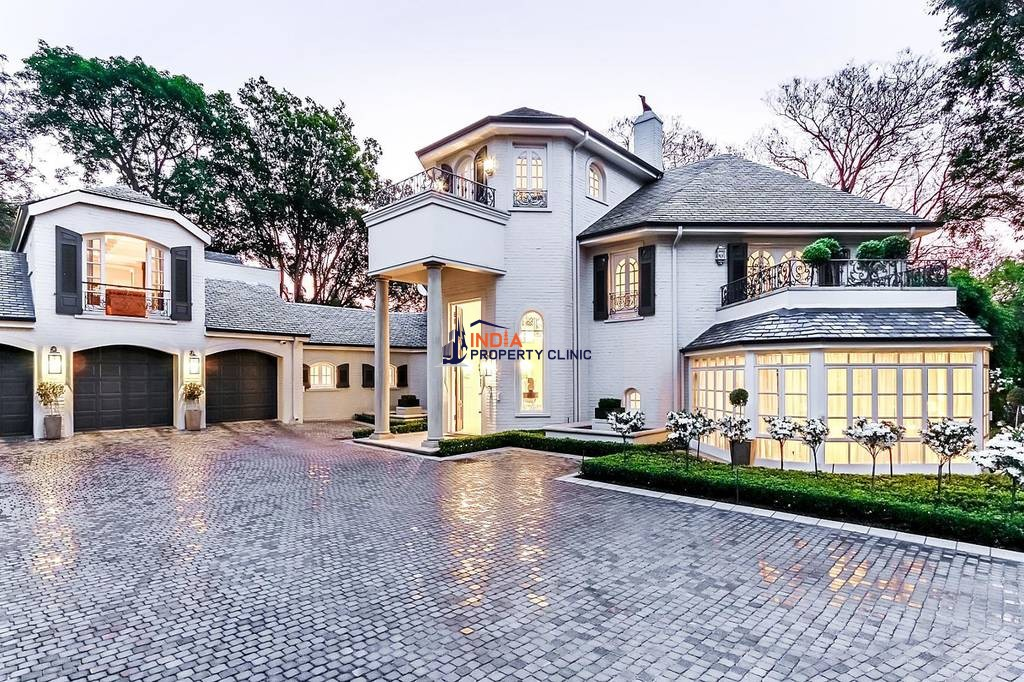 Luxury House for sale in Sandton
