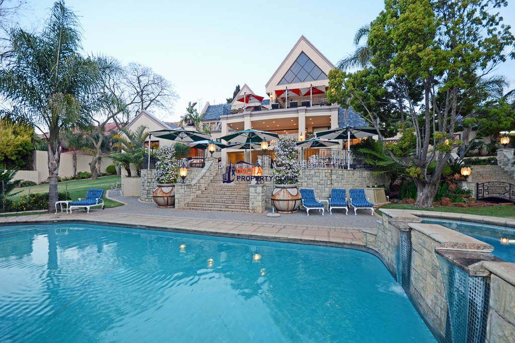 6 bedroom luxury House for sale in Johannesburg