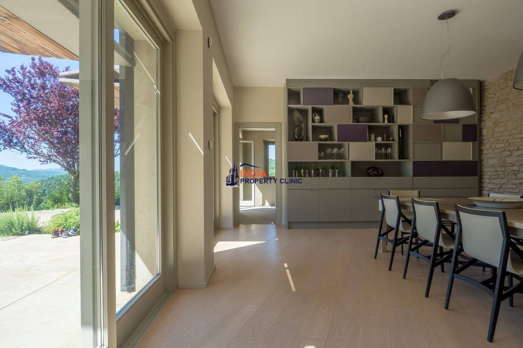 12 room Detached House for sale in Rocchetta Belbo