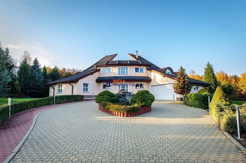 6 room luxury Villa for sale in Prague
