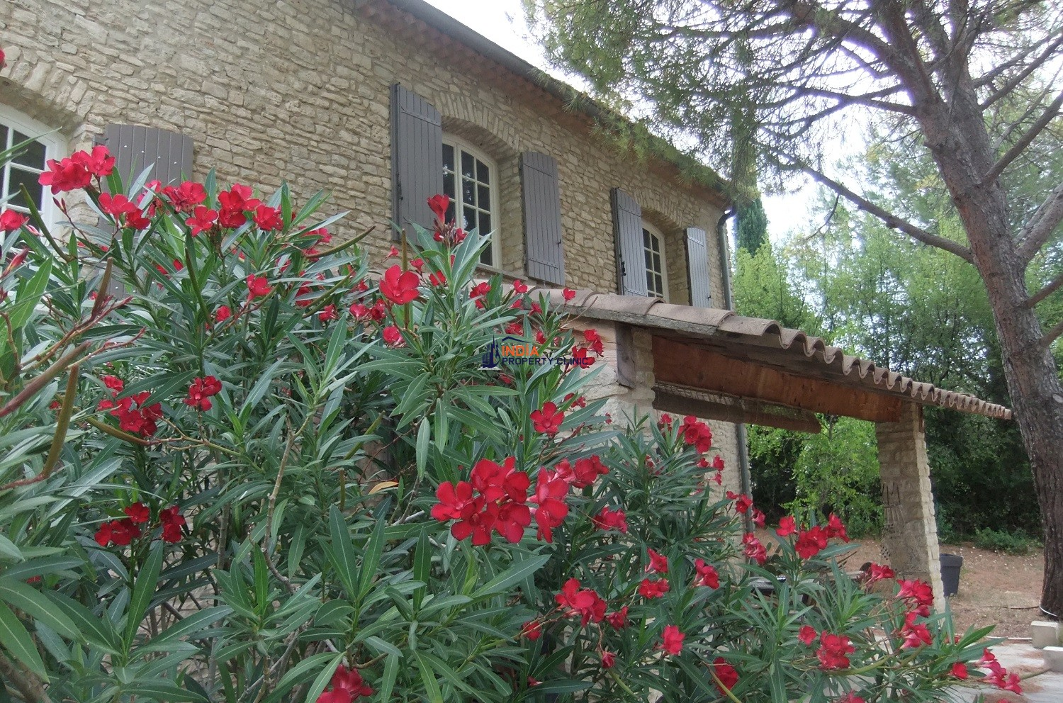 Countryside house For Sale in Venasque