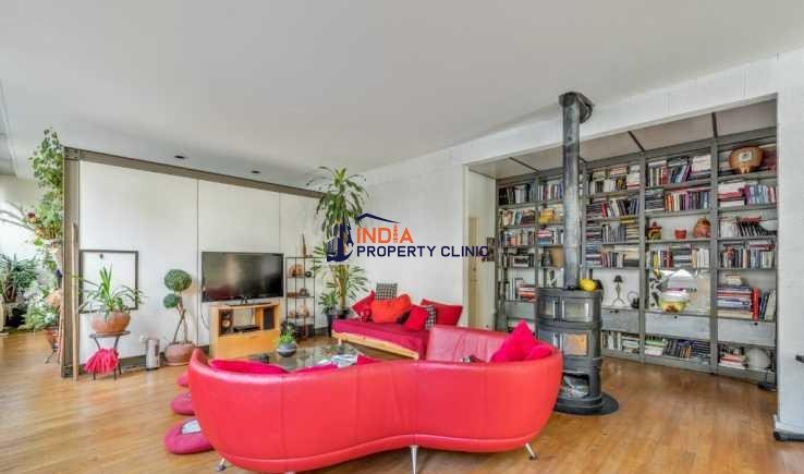 Apartment For Sale in Lyon