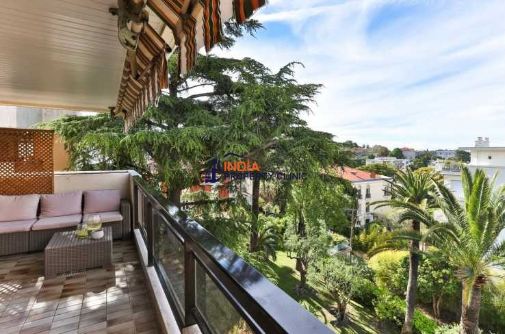 Apartment For Sale in Nice Cimiez