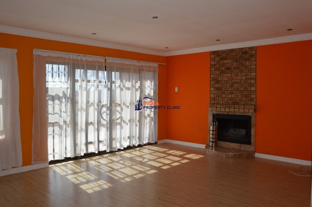 3 Bedroom House For Rent in Khubetsoana