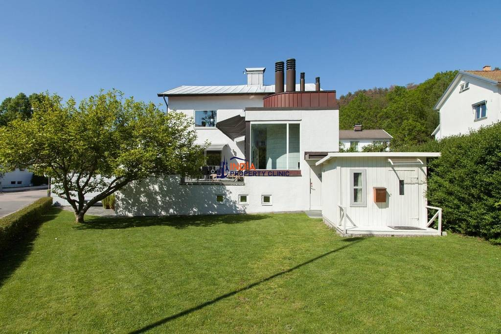 Luxury 8 room Detached House for sale in Gothenburg