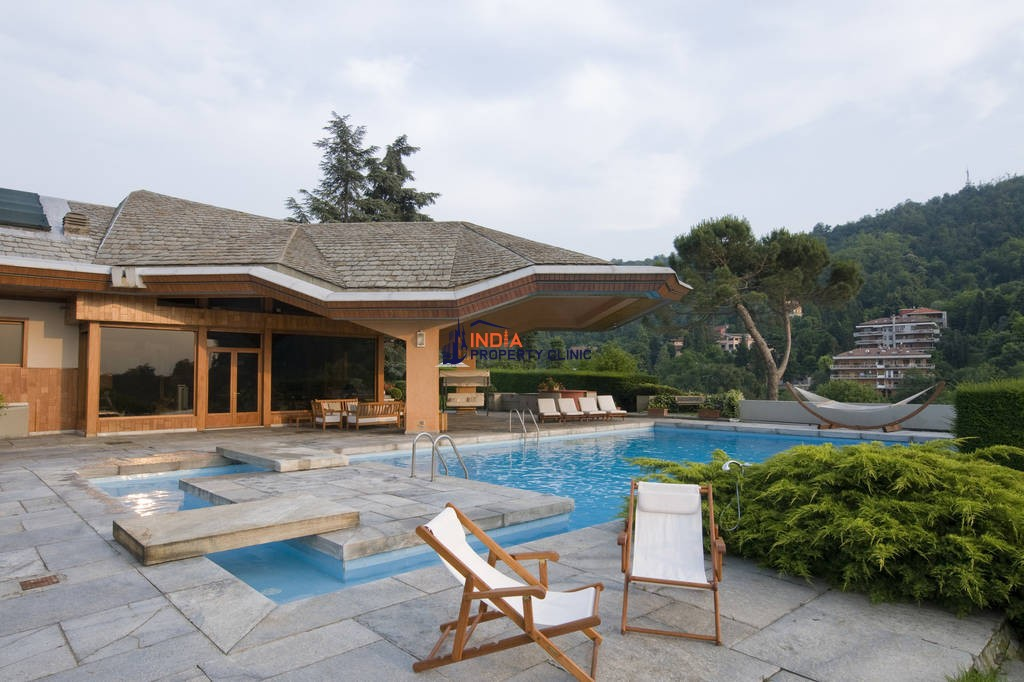 20 room luxury House for sale in Strada Val Salice