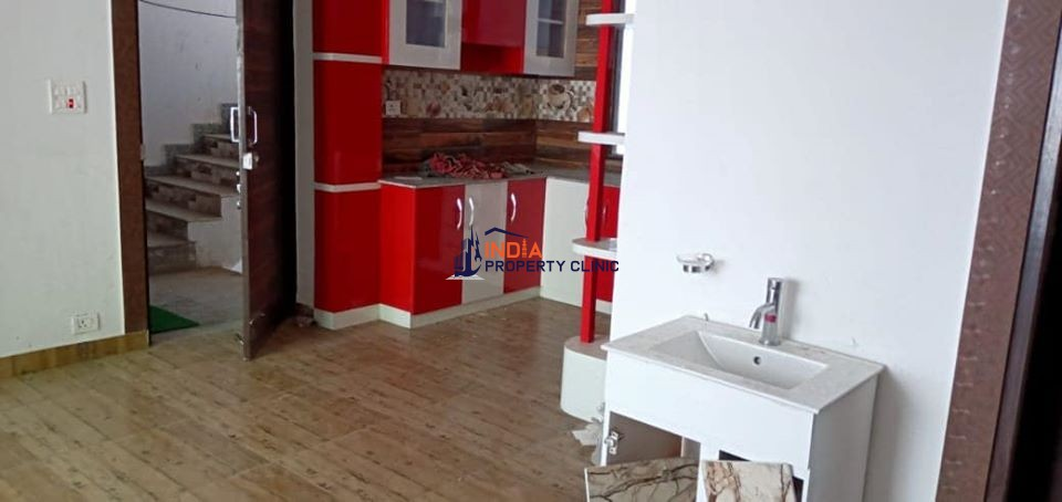 2bhk fFat for Sale Kamla Nagar