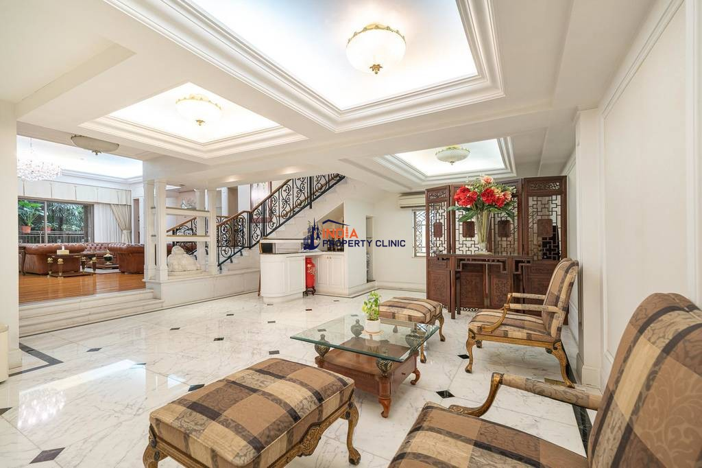 Luxury 7 bedroom House for sale in Kowloon Tong