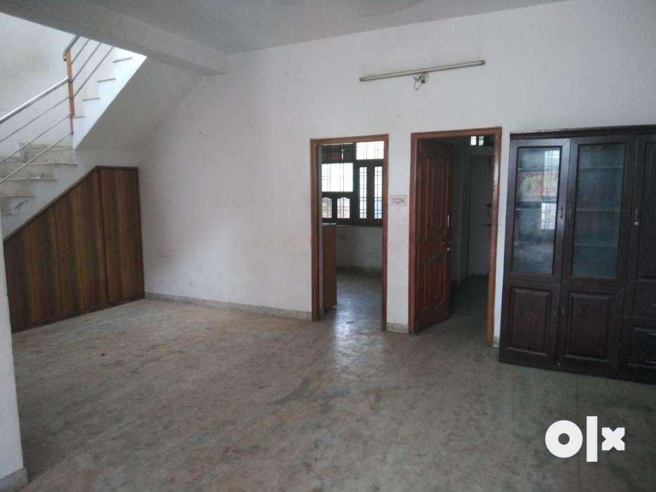 Extremely good condition villa located in city of lakes-Udaipur