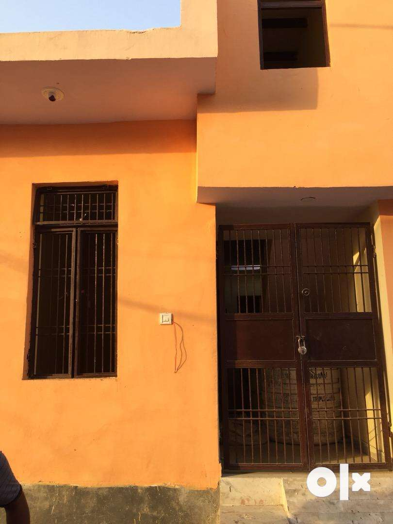 2room set house in kalindi vihar gate band colony