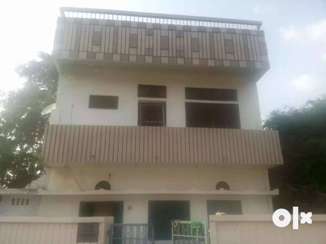 Independent house with 2 hall 2 bathrooms & 3rooms for sale..