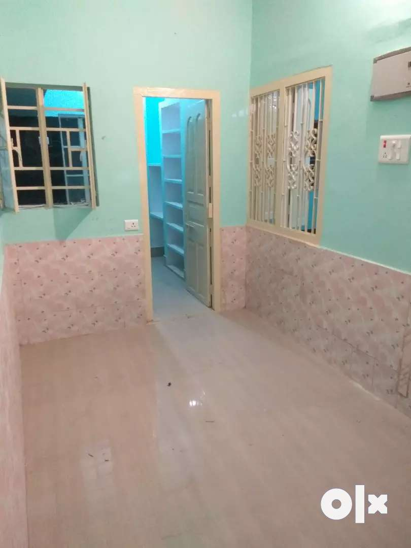 vastu compliant flat for SMALL IN SERVICE FAMILIES