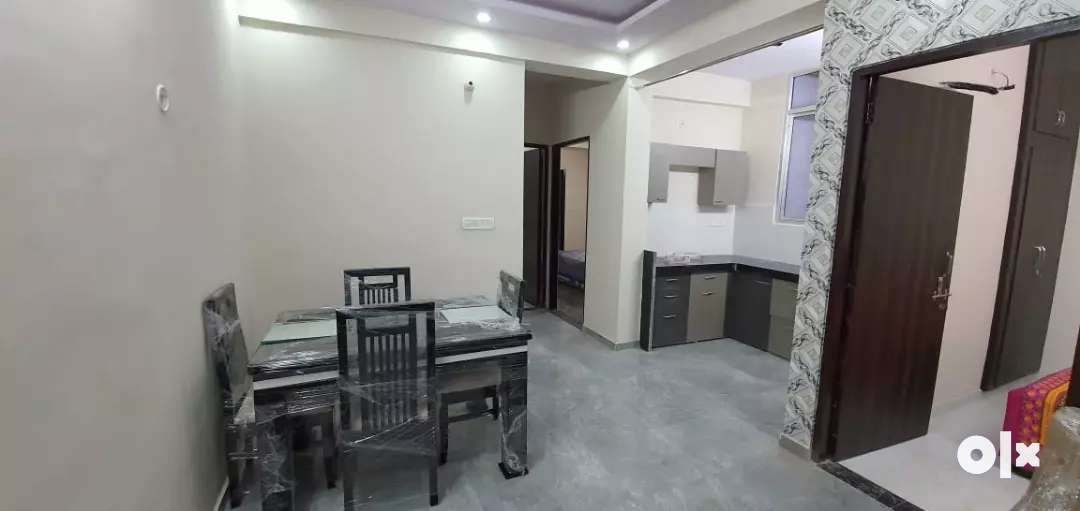 Well furnished 90% lonable best location flats