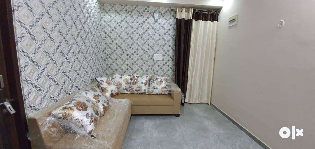 HIGHLY LUXURIOUS & FURNISHED 90% LONABLE FLATS