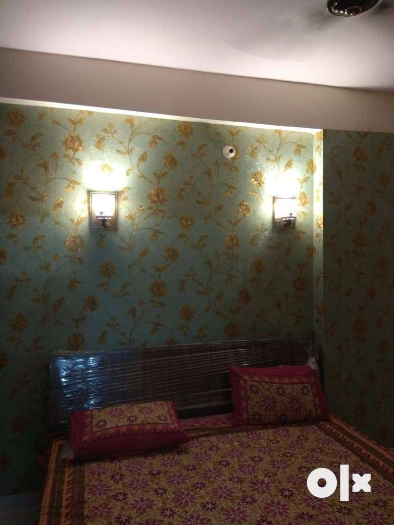 VERY LUXURIOUS 95% LONABLE FURNISHED FLATS