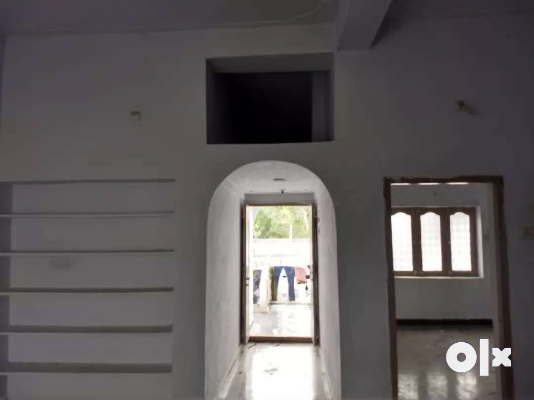 First Floor 1 BHK with Car parking facility located in Bhavani nagar