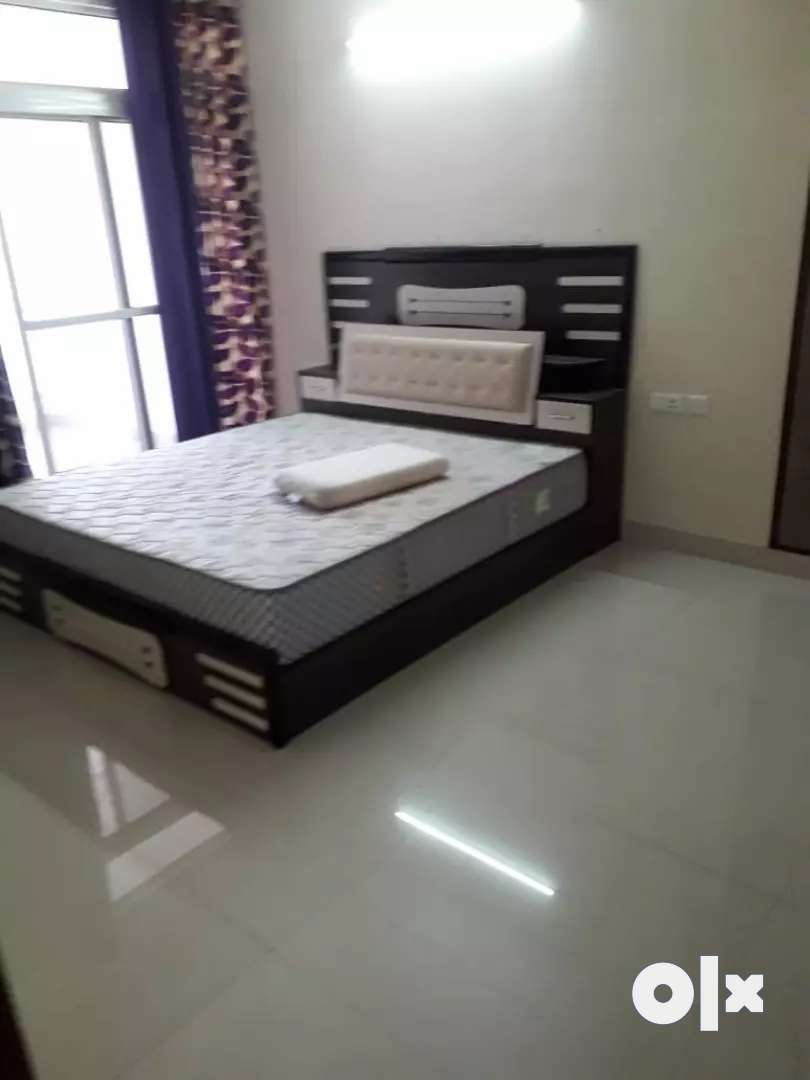 FULLY FURNISHED  LUXURIOUS FLATS