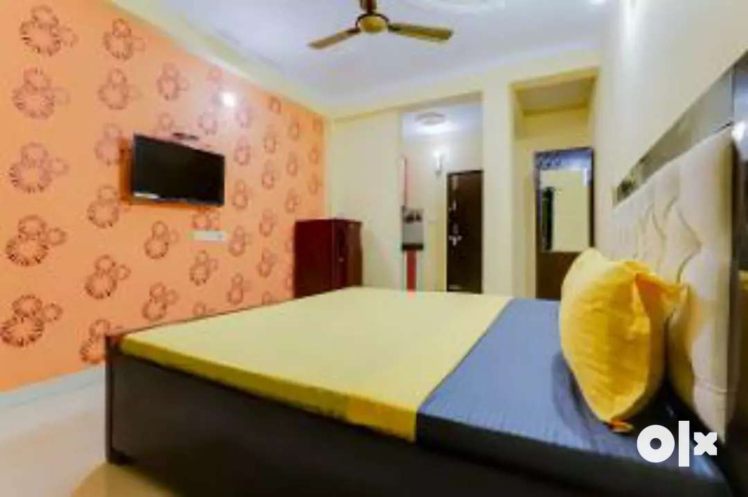 1bhk flat for rent in Crossing republic