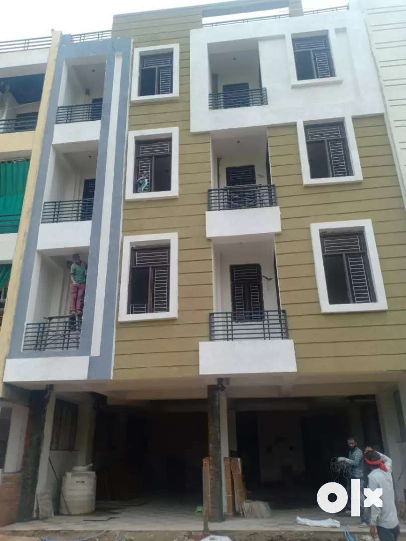 Fully lonable best location luxurious flats
