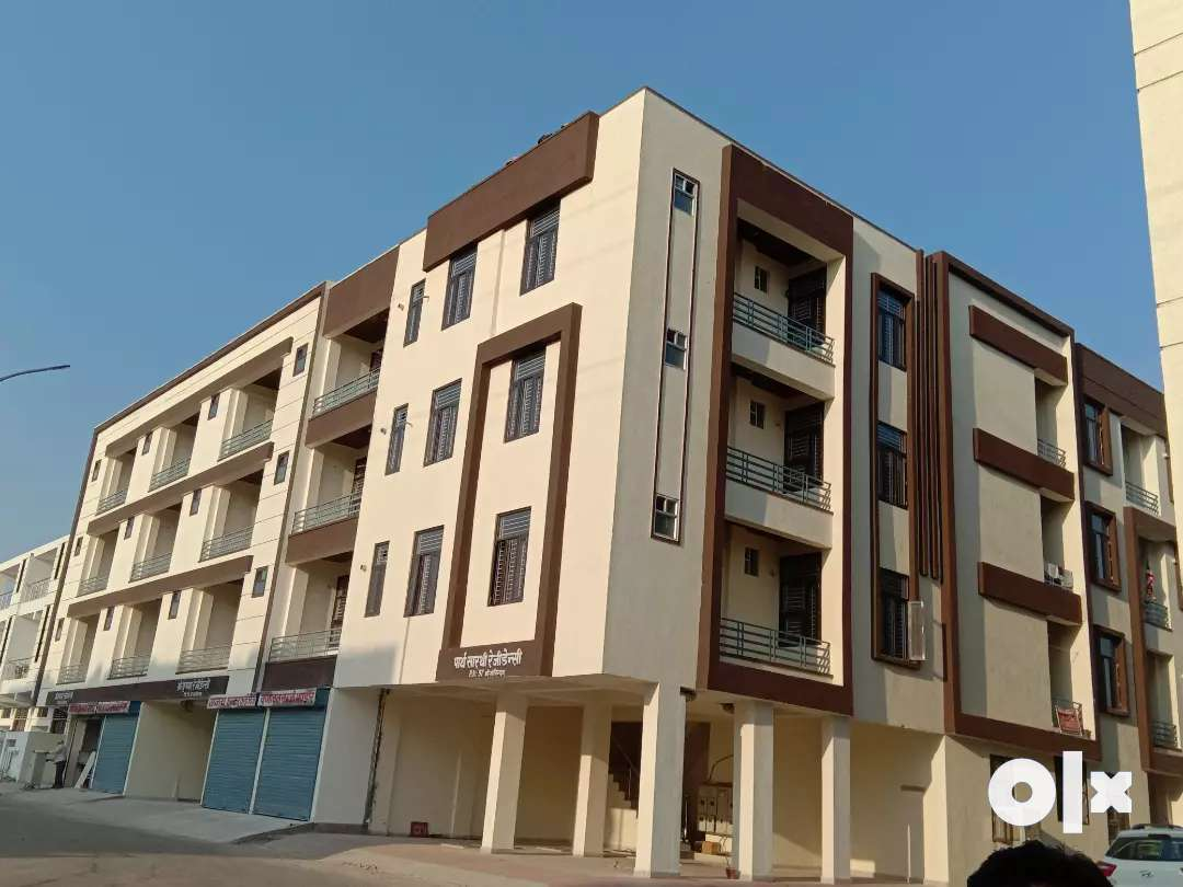2 bhk flat available in gated society