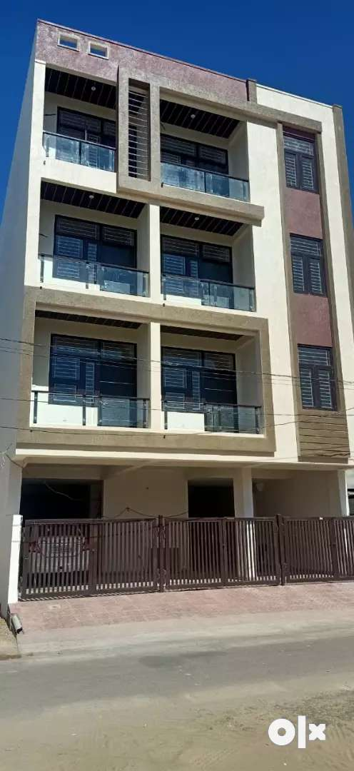 100% lonable two balcony very luxurious flats