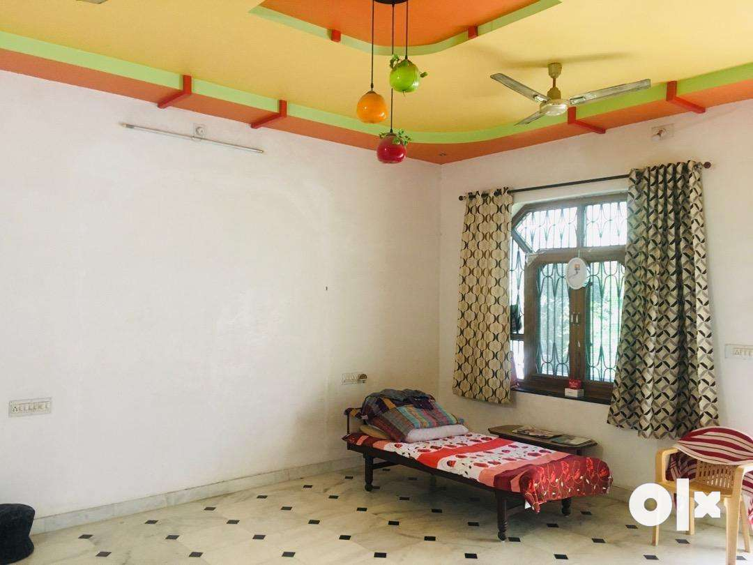 1 room + attach washroom for bachelor ( Fatehpura )