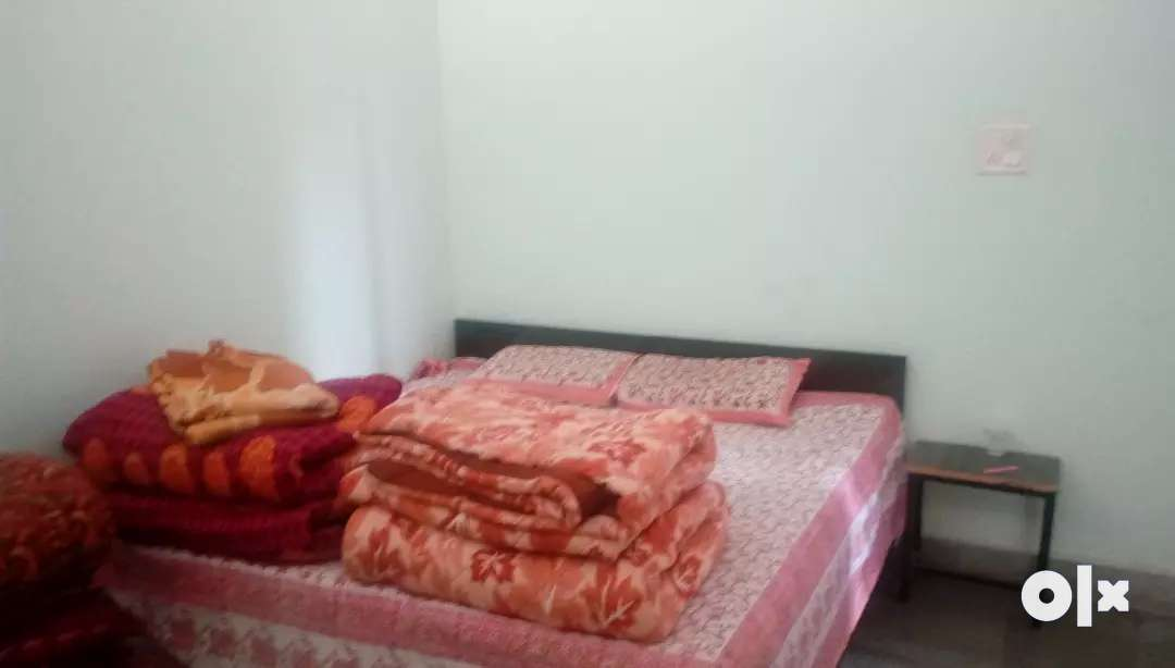1BHK appartment with independent access , available for family