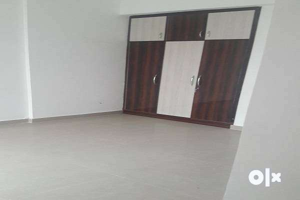 A 2+study  available for rent in assotech the next crossing republick