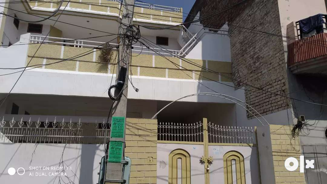 A house with 6 rooms car parking good locality and in  of the city