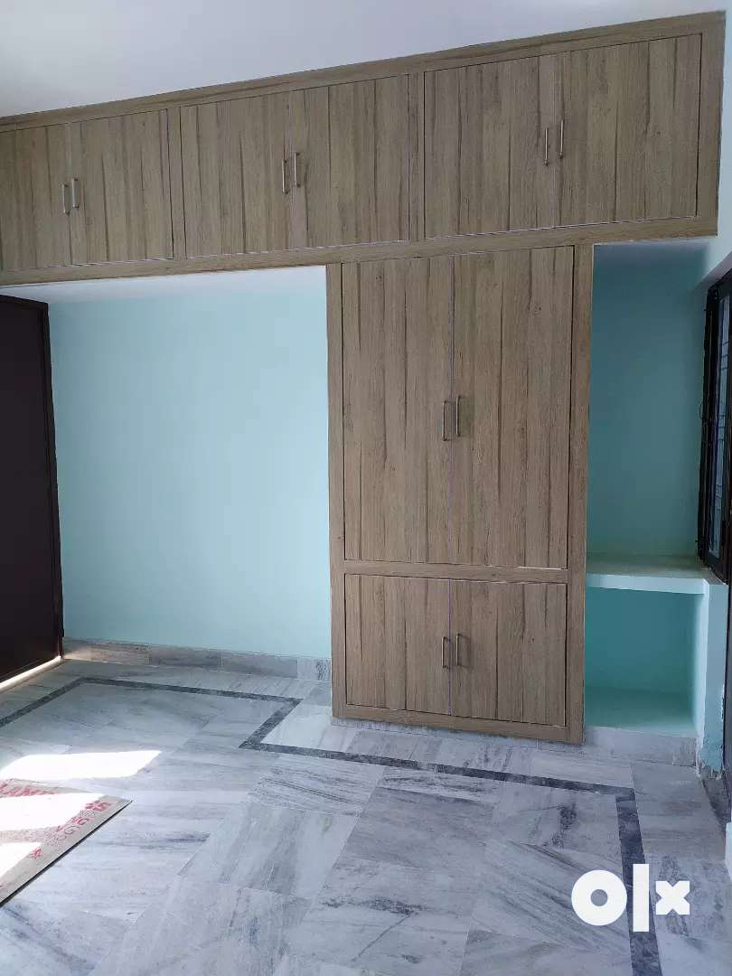 2bhk flats on rent in Naria lanka prime location