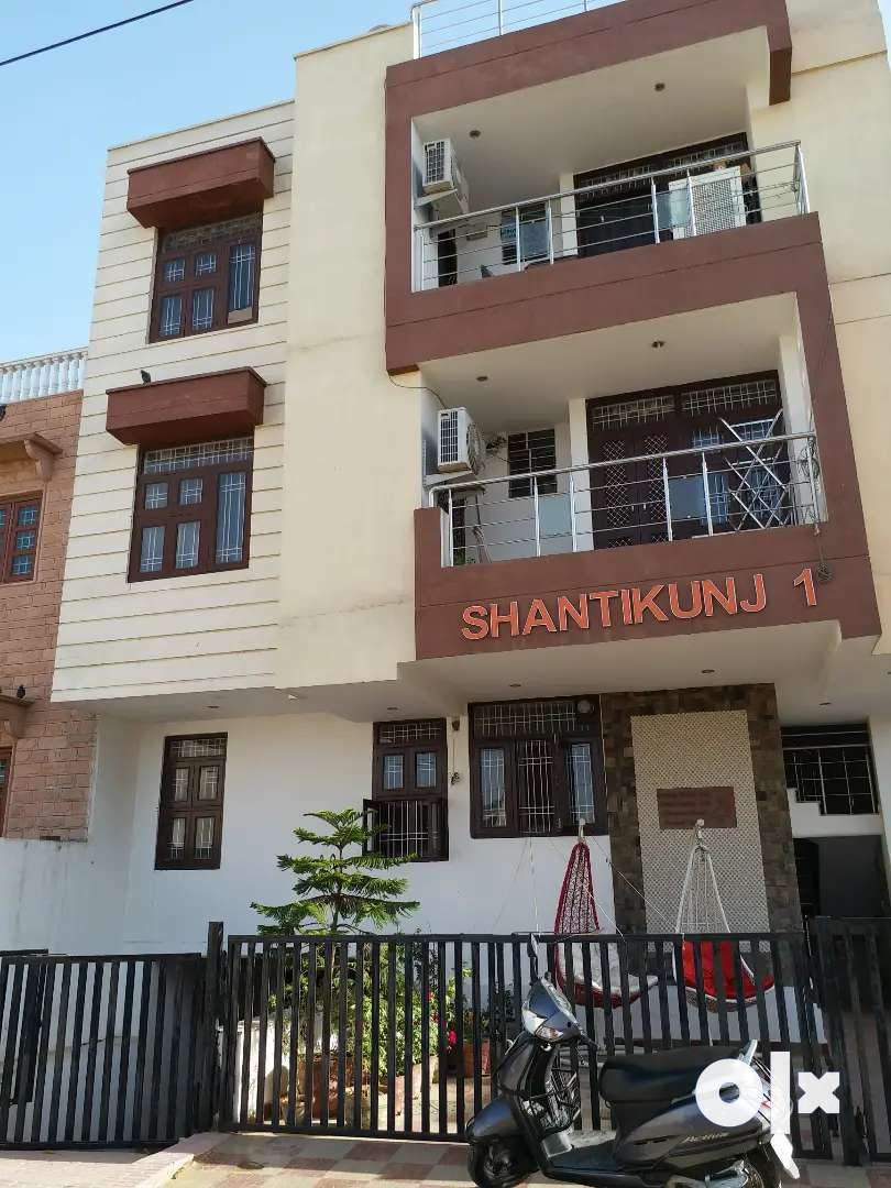 2BHK semi furnish flat for sale