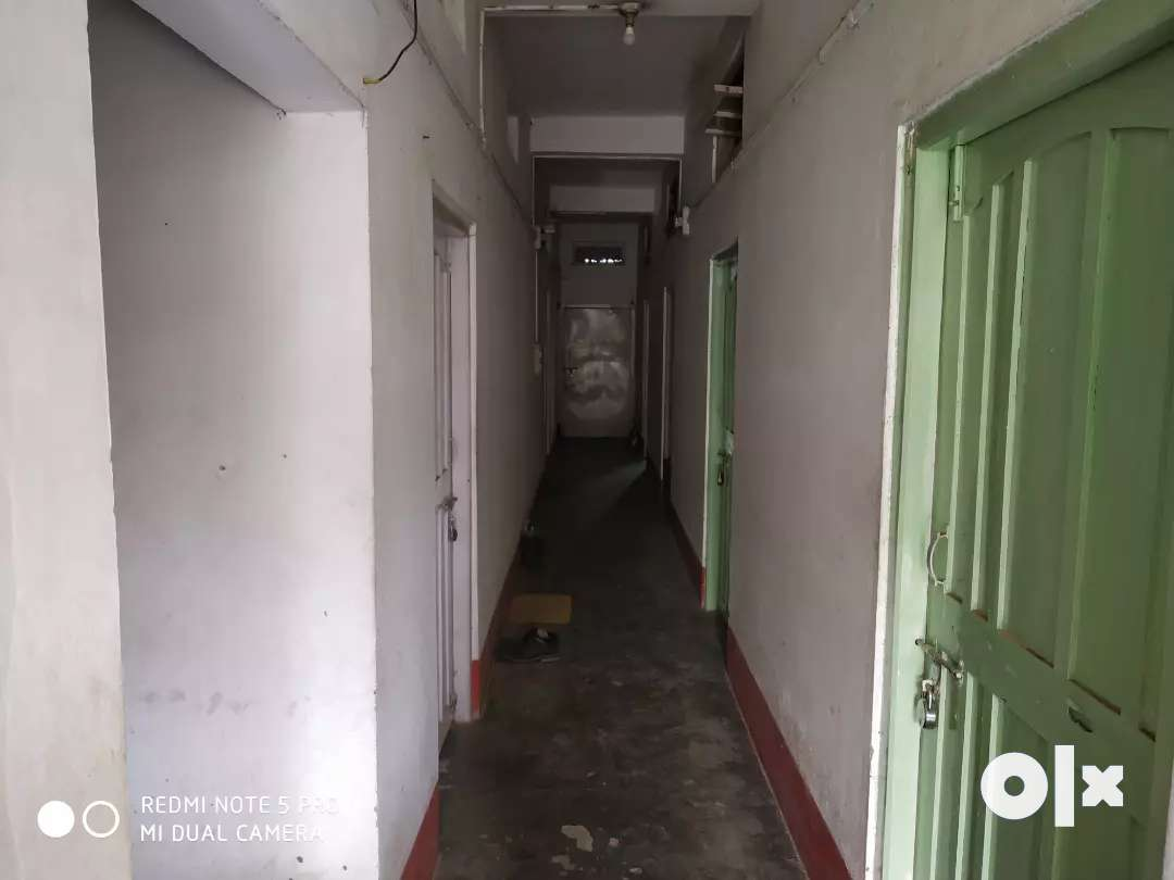 Single Room with Kitchen is available on Rent