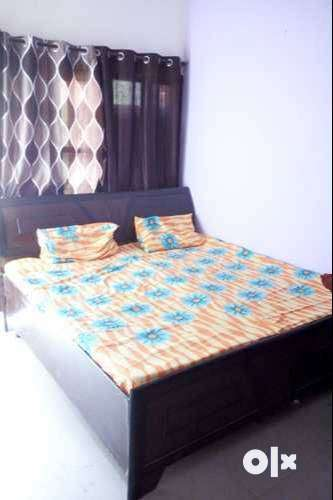ONE ROOM SET AVAILABLE FOR RENT