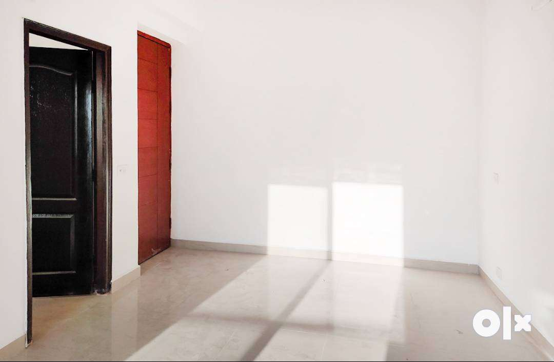 2 BHK Semi Furnished Flat for rent in Chi V for ₹10000, Greater Noida