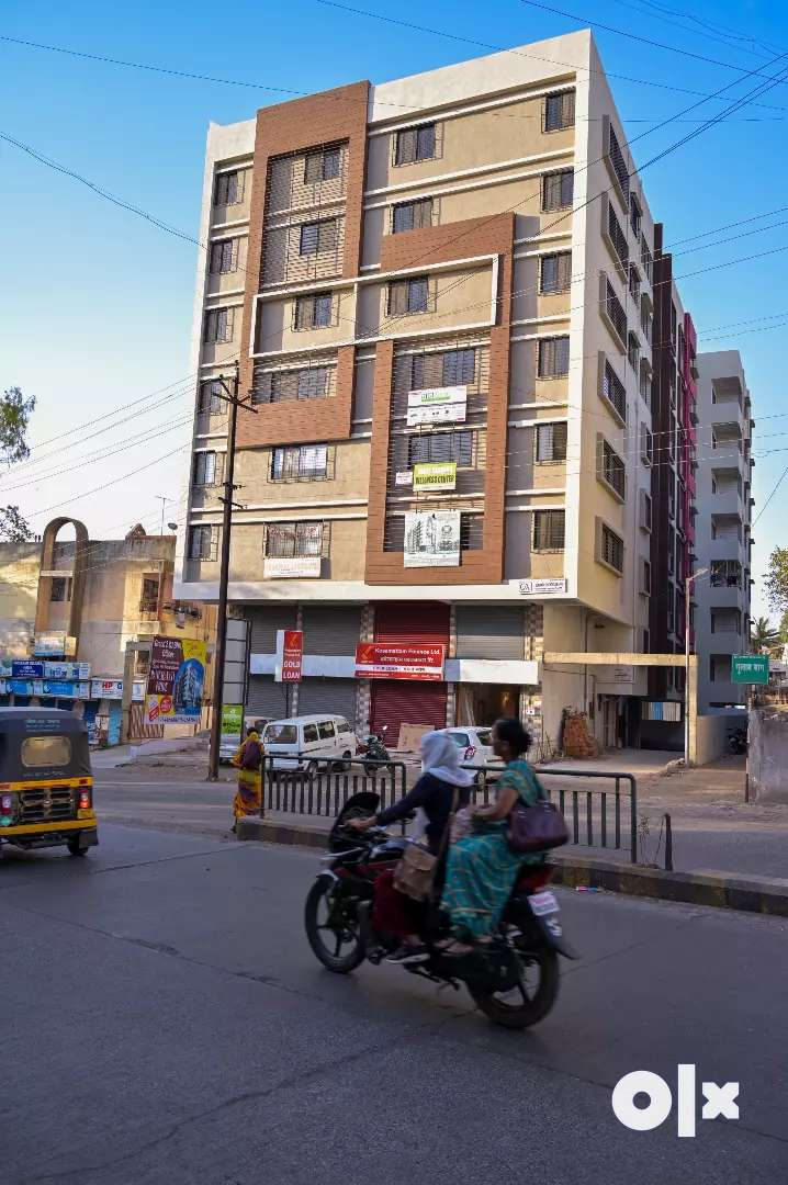3bhk Ready to move flats available