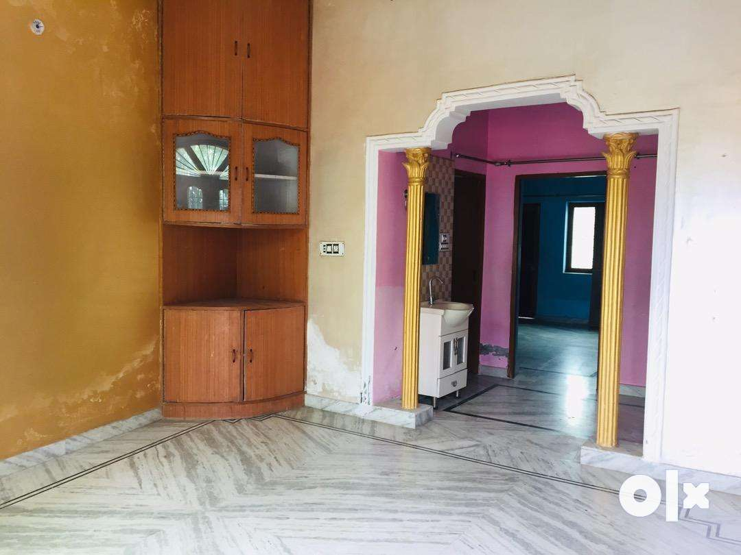 2bhk for rent with modular kitchen with safe car parking