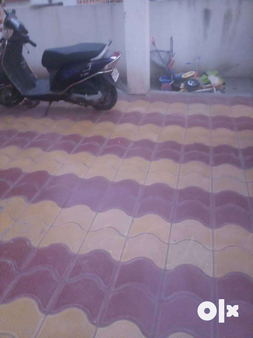 New corner row 2 bhk house Purchased frm builder 2015