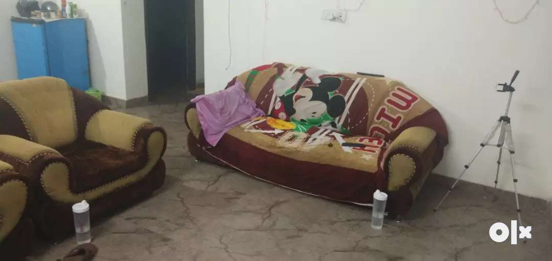 need working girl roommate for 2bhk individual house