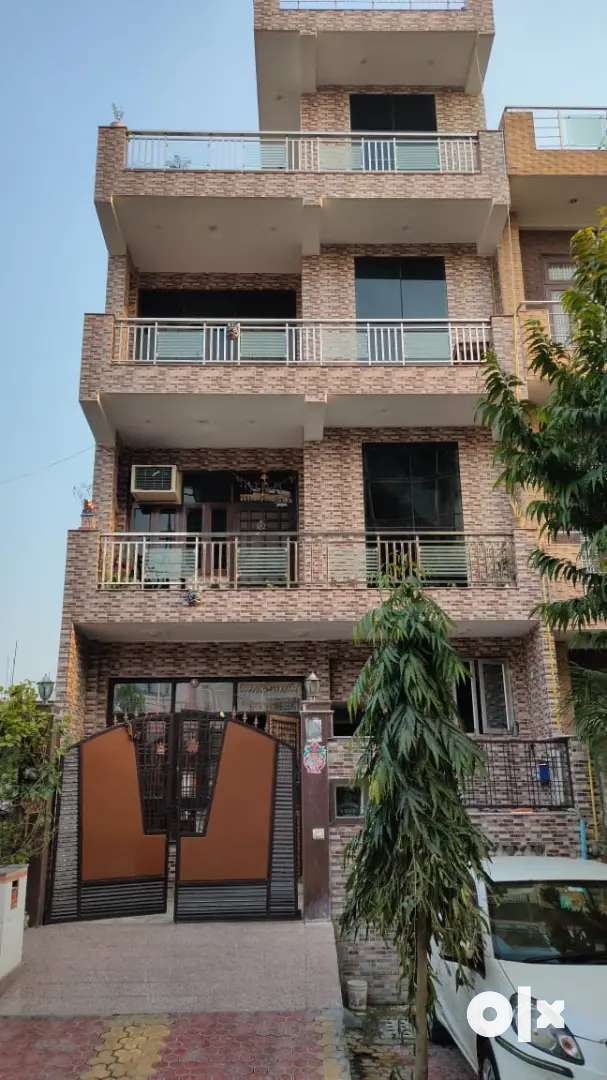 Single room set in sector-36, Greater Noida