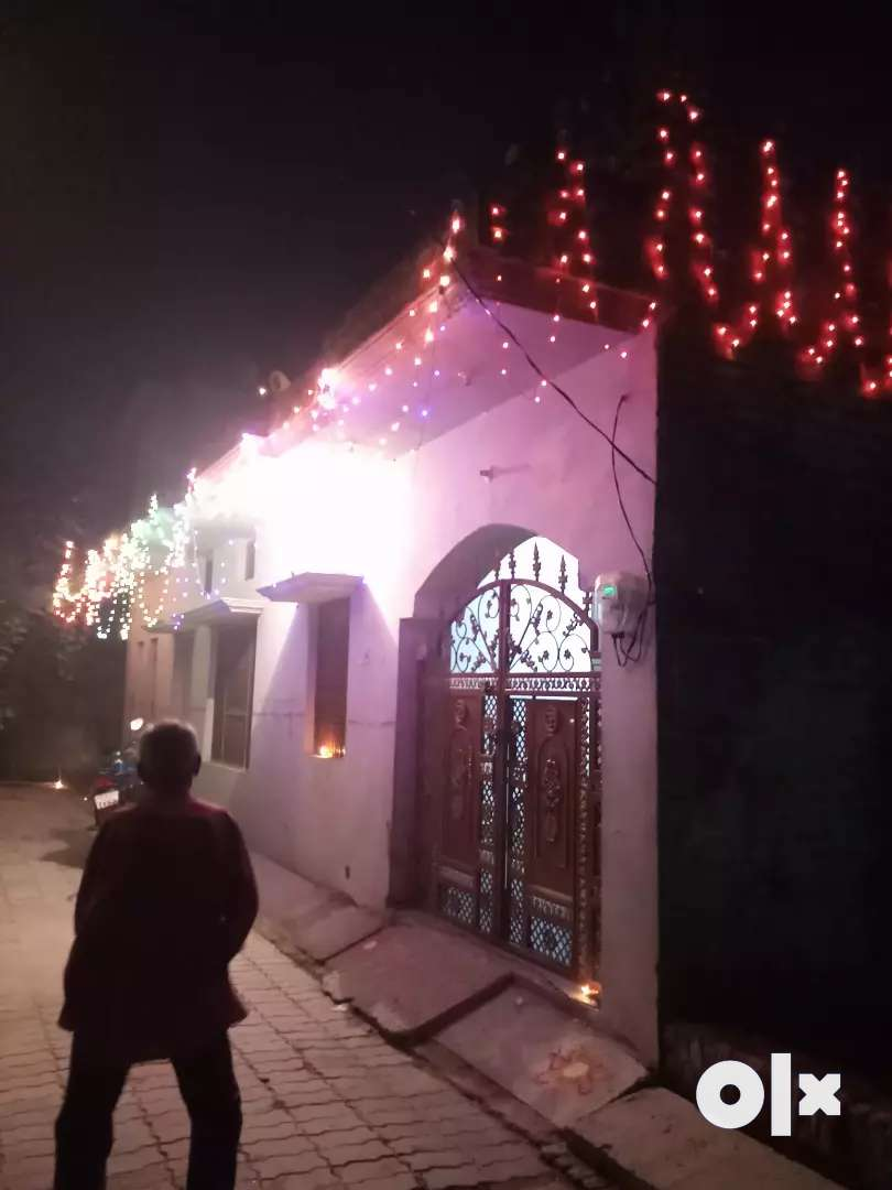 House for selling gher bahut acchi condition me hai
