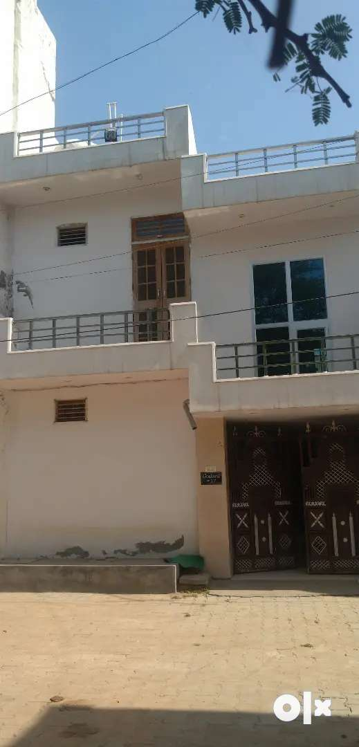 House for sale in commercial Area