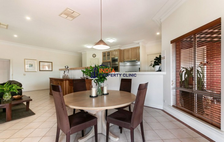 Home For Sale in Spearwood WA